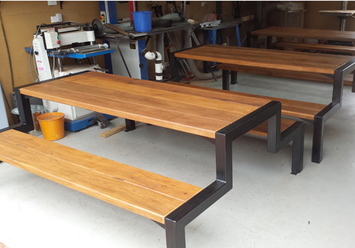 Simple And Stylish Timber And Steel Framed Commercial And Domestic - Steel picnic table frame